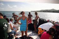 Amy and the group on dive boat BIBR 06